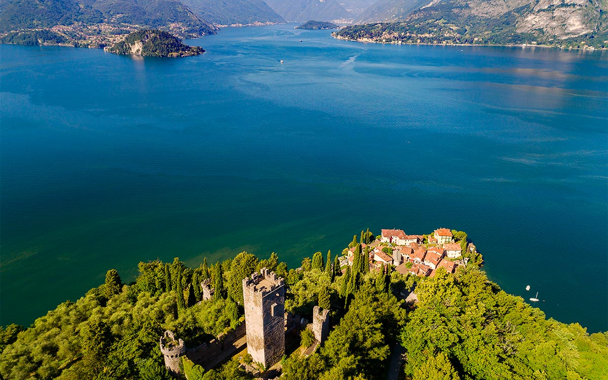 Vista sul lago dal Castello di Vezio Varenna